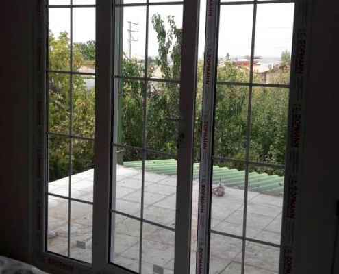 پنجره دوجداره دکوراتیو
