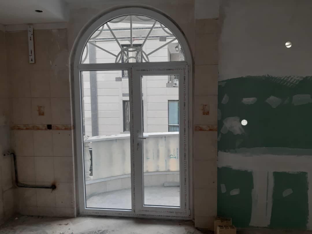 پنجره قوس دار هلال