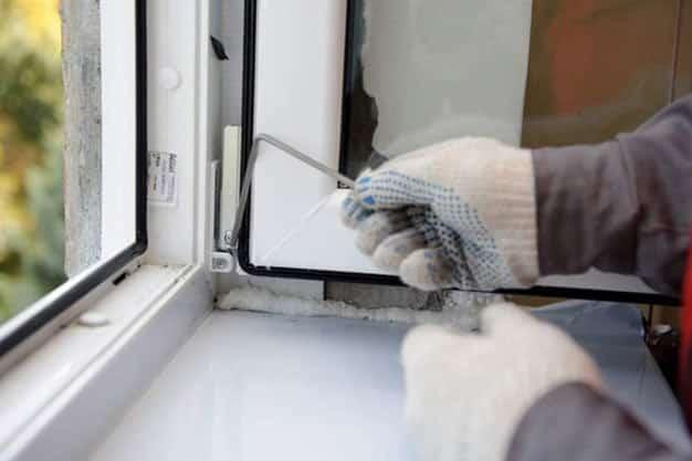 تعمیر و رگلاژ درب و پنجره دوجداره