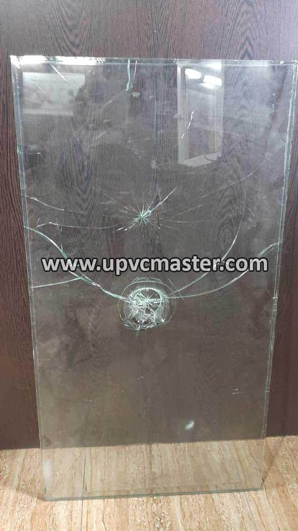 شیشه لمینت شکسته شده